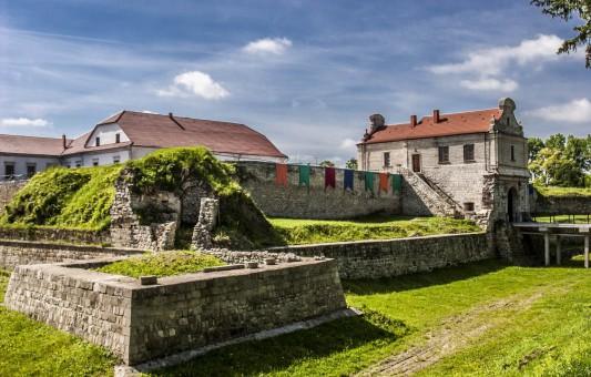 ТОП-10 найкрасивіших замків та палаців Тернопільщини (фото)